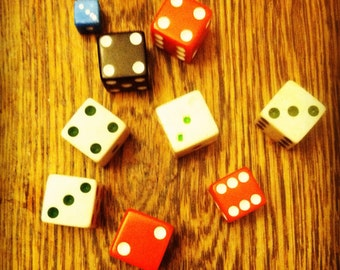 Lot of 9 Vintage Dice