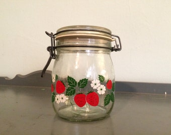 Carlton Glass Strawberry 3/4 L Glass Hermetic Canister