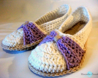 ready to ship crochet bow slippers size 5-6