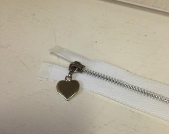 Heart pull metal separating zipper; white zipper; separating zipper