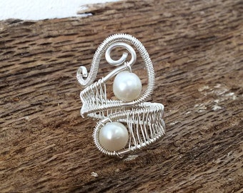 Wire wrapped ring, White freshwater pearl,  Bridesmade gifts, Wire wrapped ring, wedding ring,  pearl ring, boho jewelry, silver plated