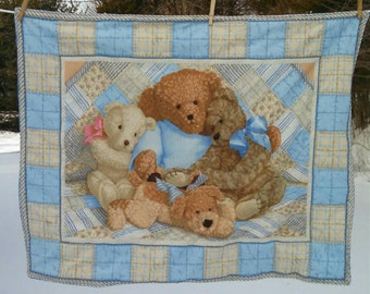 Cuddly Teddy Bear Crib Quilt