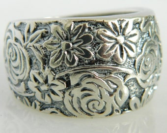 Beautiful Vintage Sterling Silver Floral Ring from Israel