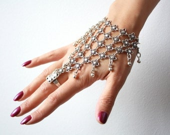 Ottoman hand Chain//silvered hand necklace/Turkish jewelry//BOHO//Gypsy pendant//Şahmeran'ın