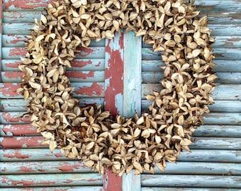 Cotton Bur Wreath: 22 Inch