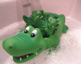 Floating Alligator and Babies soap dish - mama alligator and three babies floating soap dish