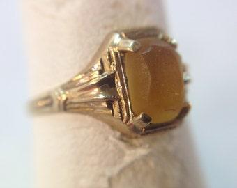 Vintage Ladies 10k yellow gold Victorian ring w/ Emerald Cut Citrine size 5.75 (299969)