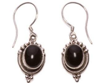 Fine Vintage Silver Earrings. With Onyx gems.