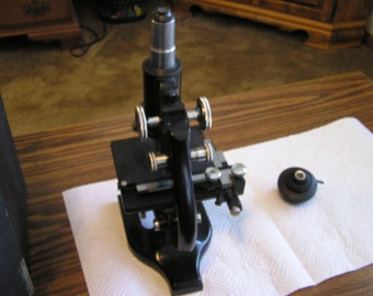1941 Spencer Microscope with Mechanical Stage