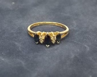 Woman's Vintage Estate 10K Gold Ring W/ Diamonds and Dark Stones 1.47g E1407