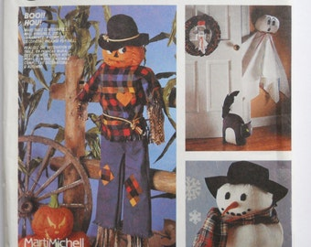 Vintage 80's McCall's Halloween Craft Pattern / / Halloween Sewing Pattern