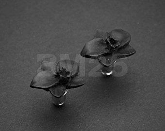 A Pair of Black Wild Flower Handcarved Wood Earring Stud