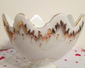 Vintage White and Gold Porcelain candy dish made in Spian