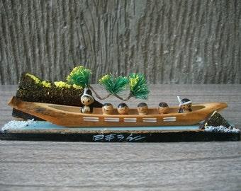 1970s Vintage Japanese Creative Kokeshi Dolls In Bamboo Traditional Boat Sabani
