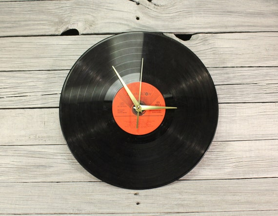 Vinyl record home decor wall clock bach by thevintagecentury for Vinyl record decoration ideas