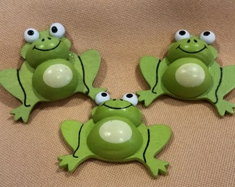 frogs,green frogs,small frogs,wooden frogs,party favor frogs,craft supplies,children's party favors,frog,halloween,frog party favors,ranas