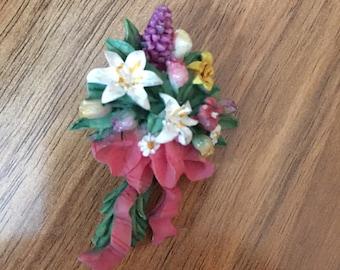 Vintage Flower Floral Bouquet Pin Brooch Ceramic M-011