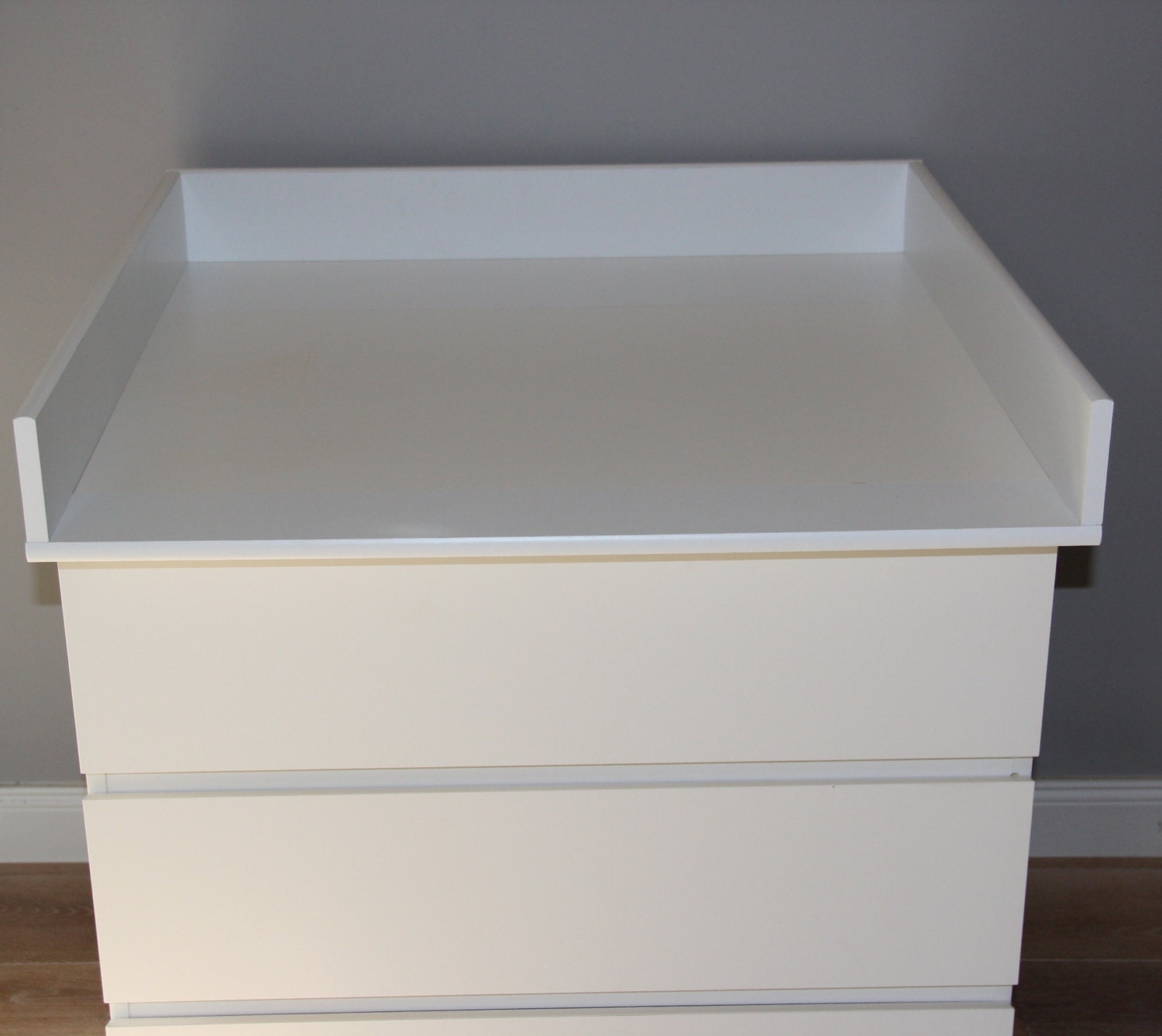 Ikea Vinstra Frisiertisch Mit Spiegel ~ Round edges Changing table for IKEA Malm dresser by PuckDaddy88