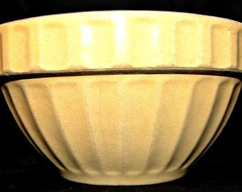 """Vintage Yellow ware Pie Crust Mixing Bowl 1940's or earlier 8"""""""