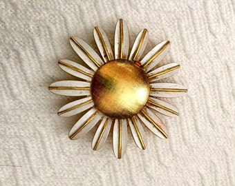 Gold and White Daisy Brooch