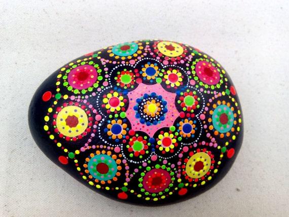 Piedras Pintadas Con Mandalas Papeldecesta