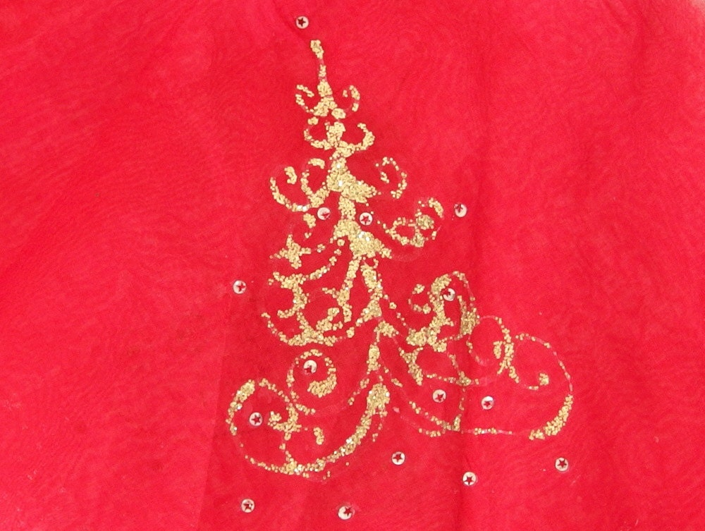 Vintage red and gold christmas tree skirt for Red and gold christmas tree