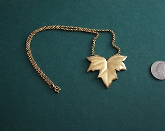 Vintage 1970's - Gold Maple Leaf Necklace