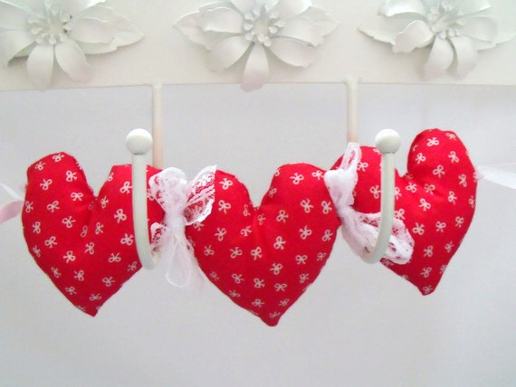 red Fabric hanging heart decoration, plush hearts, wall décor, stuffed hanging heart garland