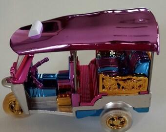 Car Model (Tuk Tuk) (Model  S size 6 x 8 cm.)
