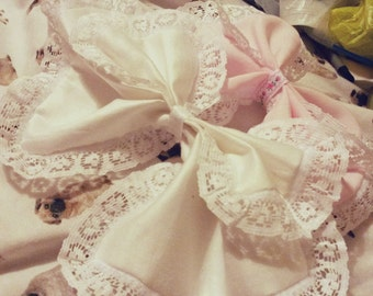 Lacey Double Bow