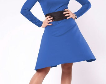 Blue dress. Dress with belt. Dress with a skirt sun. Dress with sleeves. Jersey dress. Midi blue dress.