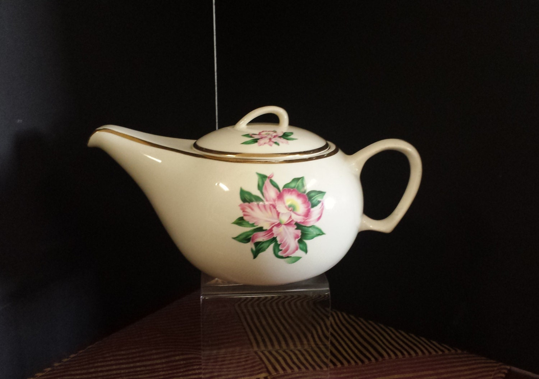 Aladdin style teapot 22 k gold trim mid century padon city - Aladdin teapot ...