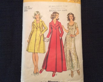 Vintage 1972 Simplicity Pattern 5351 Misses dress and Coat in two lengths - Uncut