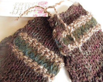 Fingerless gloves in luxury yarns, tweedy colors