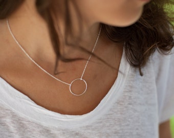 Circle necklace in Silver or Gold Plated