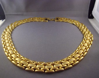 Woman's 16/17 in. Gold tone Choker Style Necklace