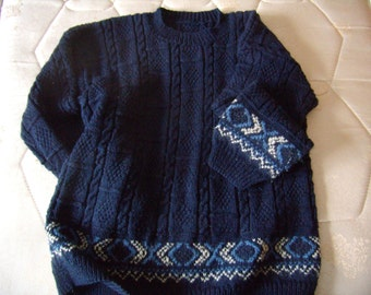 Navy blue sweater, scandinavian sweater, pattern to braid and band jacquard in the bottom and on the sleeves, size 40/42, 2008