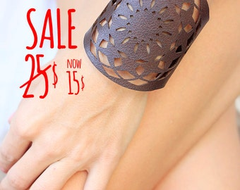 SALE!!! Leather Bracelet cuff, Leather Cuff, Ladies Leather Bracelets,Chocolate brown Leather no18