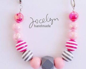 Young Pink Lady (Gray, Pink) Chunky Beaded Necklace