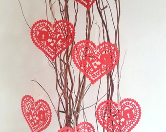Hanging Paper Cut Heart Decorations, Valentine's Decorations, Red Heart Wedding/Anniversary Decorations