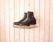Vintage Ice skates - Vintage ice skaters - vintage collectibles - soviet vintage - - ice skates - antique collectibles - leather ice skate
