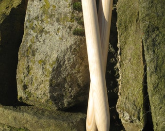 25mm x 30cm Giant wooden knitting needles. Handmade.  For big knitting.