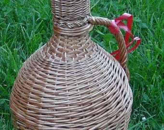 Willow Woven 5 Liter Bottle, Handwoven Wicker Bottle, Wicker Demijohn Bottle with a Cap, Willow Demijohn Bottle, Wicker Wrapped Wine Bottle