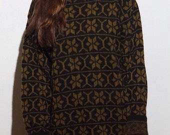 Big Flakey Sweater // Oversized // Black and brown // Snowflake //
