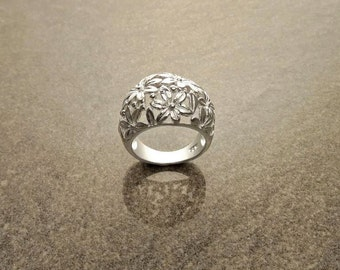 Dome Flower Ring, Sterling Silver, Filigree Ring, Domed Ring, Flower Wide Band Ring, Blossom Ring, Floral Ring, Bloom Ring, Nature Jewelry