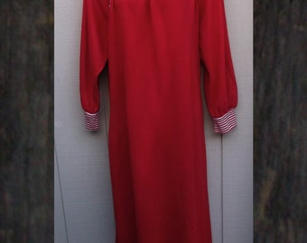 Vintage 70s Red and White Stripe Cowl Neck Nightgown Caftan / maxi length Winter nightie