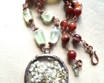 Prenhite and red agate with hammered copper of preserved baby's breath pendant copper necklace