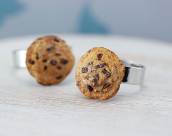 Chocolate Chips Cookie Ring