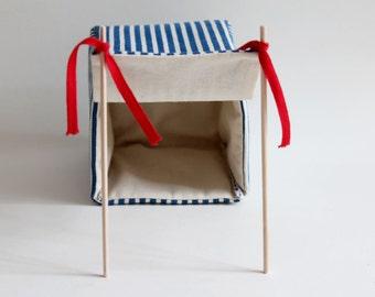Blue strips beach shack- Miniature to play