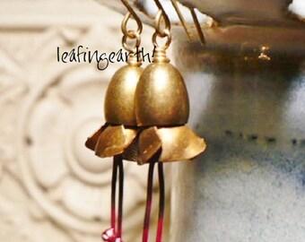 vintage brass flower rosy tip stamen dangle earrings